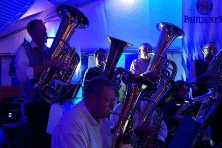 Auftritt der Haster Dorfmusik beim Oktoberfest Lindhorst 2018